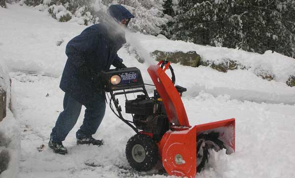 snow removal service, snow blowing service, snow shoveling company